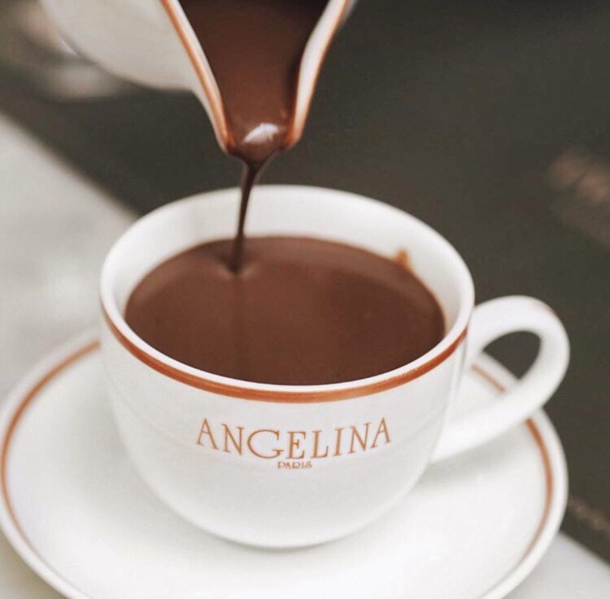Como servir o chocolate quente Angelina?